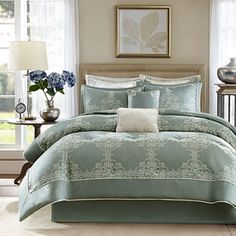 Newhaven 8 Piece Comforter Set by Madison Park Signature Oversized King Comforter, Bed Comforter Sets, Comforters, Bedspreads, Teal Comforter, Waverly Bedding, Pottery Barn Teen Bedding, Newhaven, Ideas Hogar