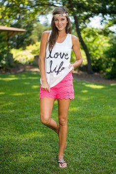 Standing Ovation Shorts, Hot Pink