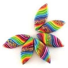 Polymer Clay Beads, Polymer Clay Crafts, Rainbow Candy, Bead Sewing, Diy Schmuck, Jewelry Making Beads, Beaded Jewelry, Handmade Beads, Leaf Shapes