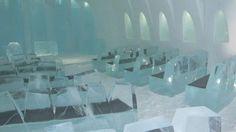 La capilla del hotel Nieve Ártico Cuando el hielo se derrite, los dueños del hotel se las arreglan para organizar bodas. La foto muestra la gélida capilla en donde se realizan las ceremonias.