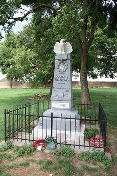 Memoriale francese a Hougoumonr