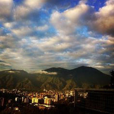 El Avila y Caracas, 31 de Enero 2015, via Facebook foto de Carmen E Gonzalez