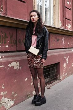 Rebelský štýl charizmatickej bloggerky Vandy je super! #blogger #fashionblogger #teenspirit #dress #jacket #clutch #modino_style #modino_sk