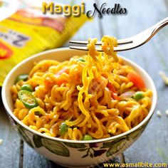 This Maggi Masala Noodles is a life saver for bachelors, working womens and even hostelites. Here is the street style Maggi noodles recipe, where the instant maggi noodles is tossed with veggies and some Indian spice powders. Indian Food Recipes, Asian Recipes, Gourmet Recipes, Vegetarian Recipes, Snack Recipes, Healthy Recipes, Ethnic Recipes, Sandwich Recipes, Maggi Masala