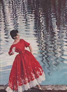 VintageNina Ricci Ad from 1960 / Harper's Bazaar