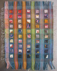 Weaving - anneke kersten palet 2012 Anneke Kersten: Colours, landscapes and geometric forms Weaving Yarn, Weaving Textiles, Tapestry Weaving, Textile Design, Textile Art, Design Art, Starbucks Art, Layered Weave, Geometric Form