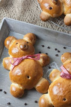 Brioches oursons mannala Bread Shaping, Armenian Recipes, French Food, Cute Food, Creative Food, Food Art, Kids Meals, Sweet Recipes, Bakery