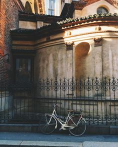 Throwback to March 1st 2016. After long grey days of rain and clouds all over the sky sunlight seemed to be pouring violently onto the city as if inundating it with light spilling everywhere on the buildings and streets. #bycicleagainstthewall by volchitza_