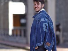 Fashion blogger Sneak Peak wearing his customised denim jacket in our #PepeJeansCustomStudio