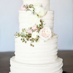 amazing wedding cakes #wedding #weddingcakes #prettyperfectday #prophire #affordable #melbourne #likeusonfacebook