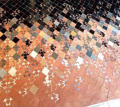 PIKZEL #2 Motif Zellige by MYRIAM MOURABIT© #Pikzel #Pixel #Zellige #Detail #Tiles #Silver #Black #Stars #Handmade #Design #Lifestyle #Madeinmorocco #AitManos #Terre #Motif