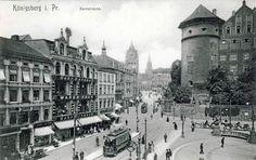 1900 wurde an der Westseite des Königsberger Wilhelmsplatzes das Warenhaus Gebr. Barrasch erbaut. Die um den Platz stehenden Gebäude wurden im August 1944 bei den beiden Luftangriffen auf Königsberg stark zerstört. Durch den Artilleriebeschuss in der Schlacht um Königsberg kam es 1945 zu weiteren schweren Zerstörungen. In der Nachkriegszeit wurden die Ruinen abgetragen und das komplette Areal eingeebnet. Das Gelände heißt heute Zentralplatz und ist eine Grünanlage neben dem Haus der Sowjets.