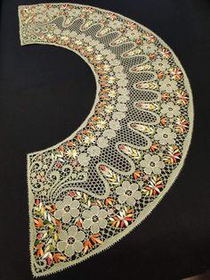Irish Crochet Patterns, Lace Patterns, Bobbin Lacemaking, Bead Sewing, Lace Heart, Point Lace, Lace Jewelry, Ribbon Art, Needle Lace