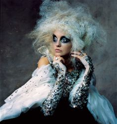 Caroline Trentini by Irving Penn for Vogue US November 2007. Fashion editor: Phyllis Posnick Hair stylist: Julien d'Ys Makeup artist: Stéphane Marais