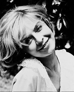See related links to what you are looking for. English Actresses, British Actresses, Cannes Awards, Superman Film, 1980 Films, Susannah York, John Huston, Dramatic Arts, Falling In Love Again