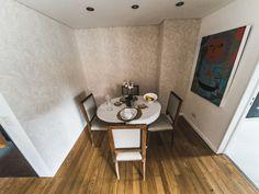 LIVING/BALCÓN  Para este espacio central de la casa, elegimos un diseño de la línea Lounge de MURESCO. La Colección Lounge, es confort y elegancia. Su estilo decorativo pone acento en la calidez y relajación de aquellos que disfrutan de los ambientes de su casa y les gusta compartir con sus amigos.