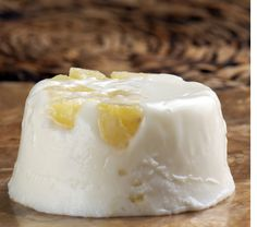 Gelatina de yogurt con piña