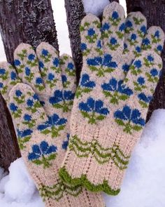 "Lovely heart things, ""Mittens and gloves"" (continued)"