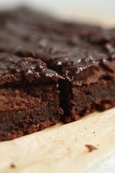 laekker-chokoladebrownie-med-kikaerter
