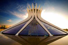 Catedral Metropolitana Nossa Senhora Aparecida. Brasília, Brazil - Oscar Niemeyer (1970)