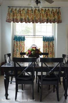 Kitchen Cafe Curtain And Valance | Http://www.beyondthescreendoor.com/
