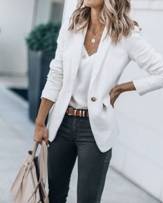 casual outfits for women - casual outfits . casual outfits for winter . casual outfits for women . casual outfits for work . casual outfits for school . Trajes Business Casual, Cute Business Casual, Business Casual Dresses, Casual Work Outfits, Mode Outfits, Work Casual, White Blazer Outfits, White Blazers, Business Casual Outfits For Women