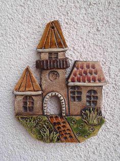 Radnice III. / Zboží prodejce TK-Sejřek | Fler.cz Clay Crafts, Diy And Crafts, Arts And Crafts, 7th Grade Art, Kids Clay, Ceramic Wall Art, Clay Ornaments, Inspiration For Kids, Porcelain Ceramics