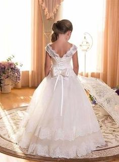 IVORY FLOOR LENGTH SLEEVELESS WEDDING DRESS FOR GIRLS