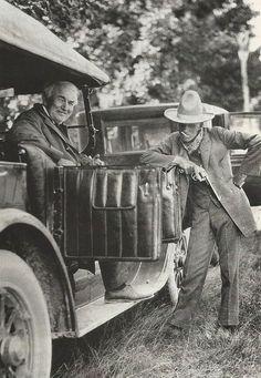 Thomas Edison (solda) and Henry Ford (sağda)