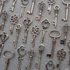 Skeleton Key Escort Cards/ Place Settings