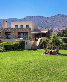 Elounda Villa's extensive outdoor area is sure to be a hit!