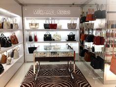 1000 × 750 píxeles - home/hem Boutique Interior, Shoe Store Design, Shoe Shop, Showroom, Store Interiors, Retail Space, Michael Kors, Luxury Shop, Display Design