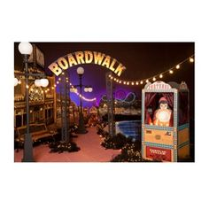 Create a steel pier or quaint boardwalk for your high school Homecoming, Prom, or Senior Party! Prom theme, Prom themes