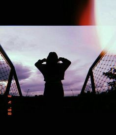 Football lights and stadium nights. Profile Pictures Instagram, Instagram Pose, Shadow Photography, Portrait Photography Poses, Ft Tumblr, Shadow Pictures, Snapchat Picture, Artsy Photos, Girl Photo Poses