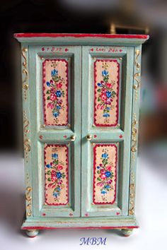 MI PEQUEÑA LIBERTAD :muebles pintados