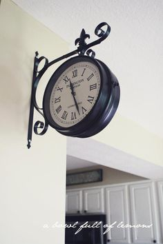Love this vintage train station clock for the home. have it just need to get it up on the wall___ haha I totally thought this picture was taken in the home for footsteps the family I nanny for. Train Station Clock, Best Wall Clocks, Model House Plan, Condo Living, Living Room, Parade Of Homes, Creative Decor, Room Decor, Wall Decor