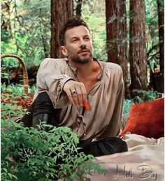 Very talented actor Craig Parker whose voice is beyond enchanting. New Zealanders just sound better.  #lordnarcisse #reign  photo credits: Holi Day  #holiday