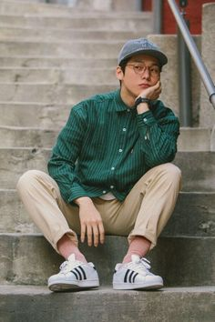 51 Chic White Sneaker Outfit Youve Ever Laid Eyes On Fashion Men Style Men Style Hipster Mode, Estilo Hipster, Hipster Style, Grunge Style, White Sneakers Outfit, Sneakers Fashion, Sneakers Style, Mode Masculine, Sneaker Outfits