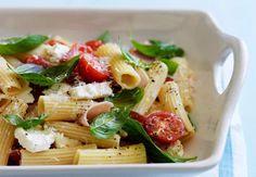 Salade de penne au jambon blanc et basilicDécouvrez la recette de la salade de penne au jambon blanc et basilic