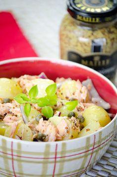 Ensalada de salmón y patatas con vinagreta de mostaza y limón