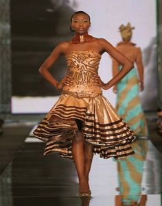 Traditional Attire Designs in South Africa African Inspired Fashion, African Fashion, Traditional Wedding Dresses, Traditional Weddings, Traditional Design, Queen Fashion, Style Fashion, Black Bridesmaid Dresses, African Attire