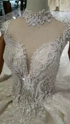 All the wedding dress can be customized by your size. it's a good idea to have the 2019 wedding trends in the back of your mind when planning your weddings. Hijab Wedding Dresses, Stunning Wedding Dresses, Classic Wedding Dress, Dream Wedding Dresses, Wedding Attire, Beautiful Gowns, Bridal Gowns, Wedding Gowns, Prom Dresses