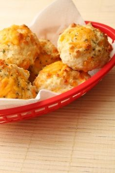 dinner, garlic cheddar biscuits, biscuit recipes, garlic cheese biscuits, bread, food, red lobster biscuits, picture frames, homemade garlic biscuits