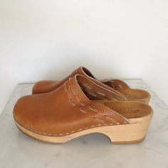 80s Swedish Holje Clogs Honey Leather - Wooden Soles - Laced Leather Details - Sweden 38