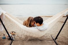 Cozy Beach Engagement Session #hammock #engagement #photography