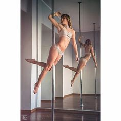 1,903 vind-ik-leuks, 7 reacties - Pole Dance Nation ™ (@poledancenation) op Instagram: 'POLE GOAL: To make this move look as easy as @blondaina does. #PoleDanceNation ✨ Posted by PDN…'
