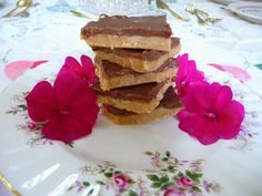 SPLENDID LOW-CARBING BY JENNIFER ELOFF: NO BAKE PEANUT BUTTER CHOCOLATE BARS