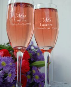 Wedding Toasting Glasses - Personalized Champagne Wedding Flutes - Etched Glass - Bride Groom Engraved Table Decor
