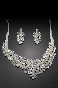 Beautiful Silvery Alloy with Rhinestone Wedding Jewelry Set(Including Necklace and Earrings)-DX