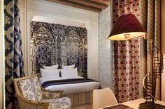 Além da natureza de Bali, das ruas de Paris ou dos pubs de Londres, há muito charme a ser explorado nas camas de hotel assinadas por Fashion Designers ao redor do mundo.